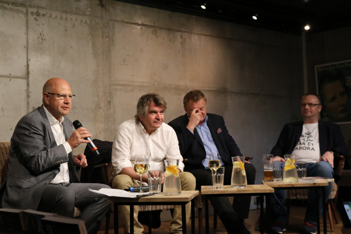 Jak zlikwidować socjalizm? Debata blogerów WEI
