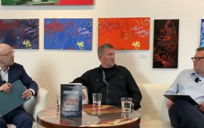 """""""Operacja Rafael"""": Wieczór autorski Marka Kozubala i Marcina Falińskiego w Galerii Delfiny [RELACJA]"""